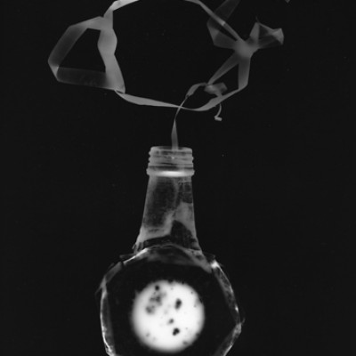 Flasche 6, 2011 / photogram on silver gelatin paper / ca. 24 x 30,5 cm