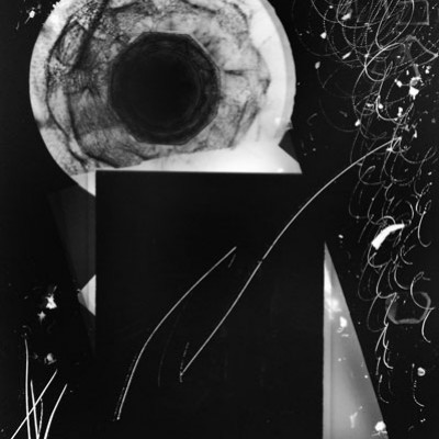 Lichtspiel X1, 2012 / photogram on silver gelatin paper / ca. 13 x 18 cm